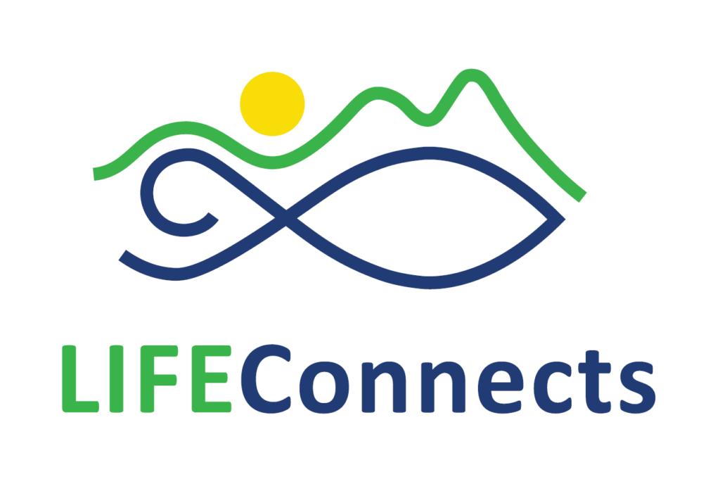 Logotype för LIFE Connects. Stiliserad fisk (blå) med landskap (grön) och sol (gul).